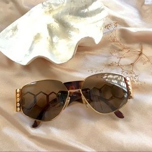 Vintage Givenchy Queen Bee Sunglasses 🍂